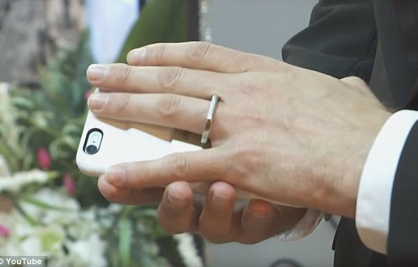 a99754_marriage_8-phone (1)