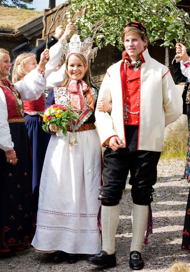 traditional-wedding-outfits-15