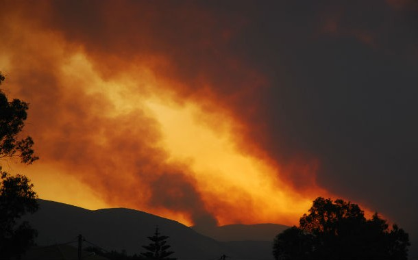 2007-greek-forest-fires-610x380